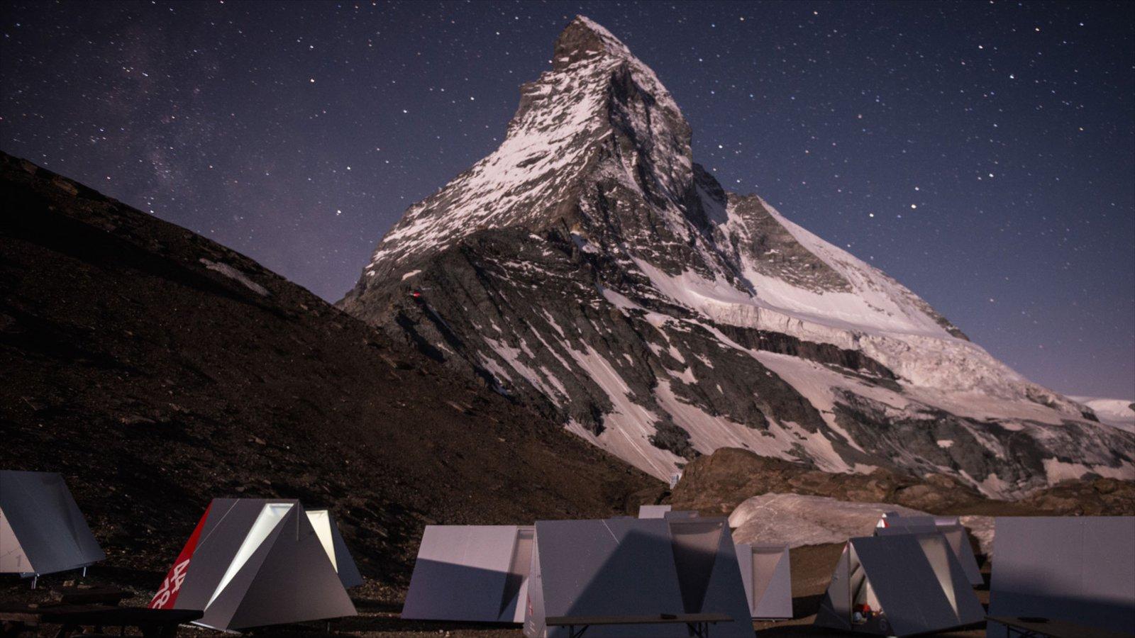 Matterhorn que incluye montañas, escenas nocturnas y nieve