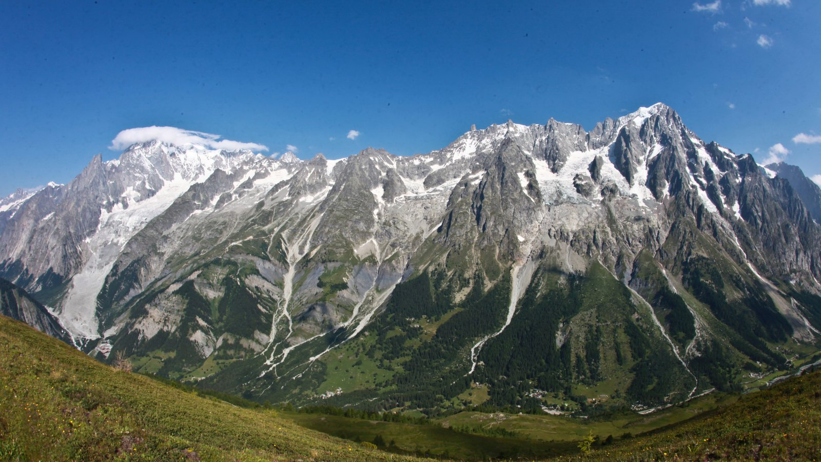 Courmayeur featuring mountains and snow