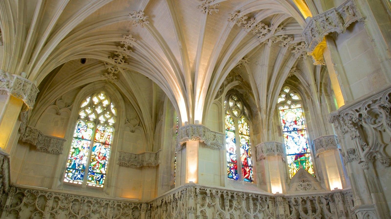 Chateau d\'Amboise caracterizando vistas internas, arquitetura de patrimônio e um pequeno castelo ou palácio