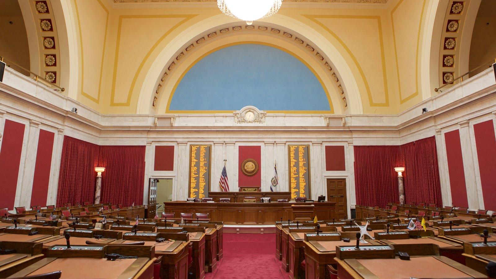 West Virginia State Capitol Building mostrando vistas interiores y un edificio administrativo