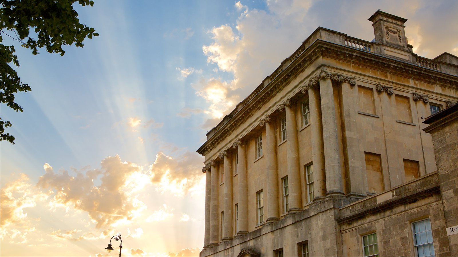 Royal Crescent showing an administrative buidling, a sunset and heritage architecture