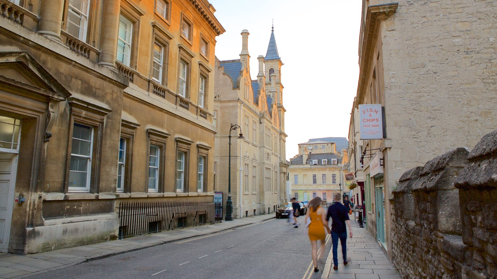 Bath which includes a city, heritage architecture and street scenes
