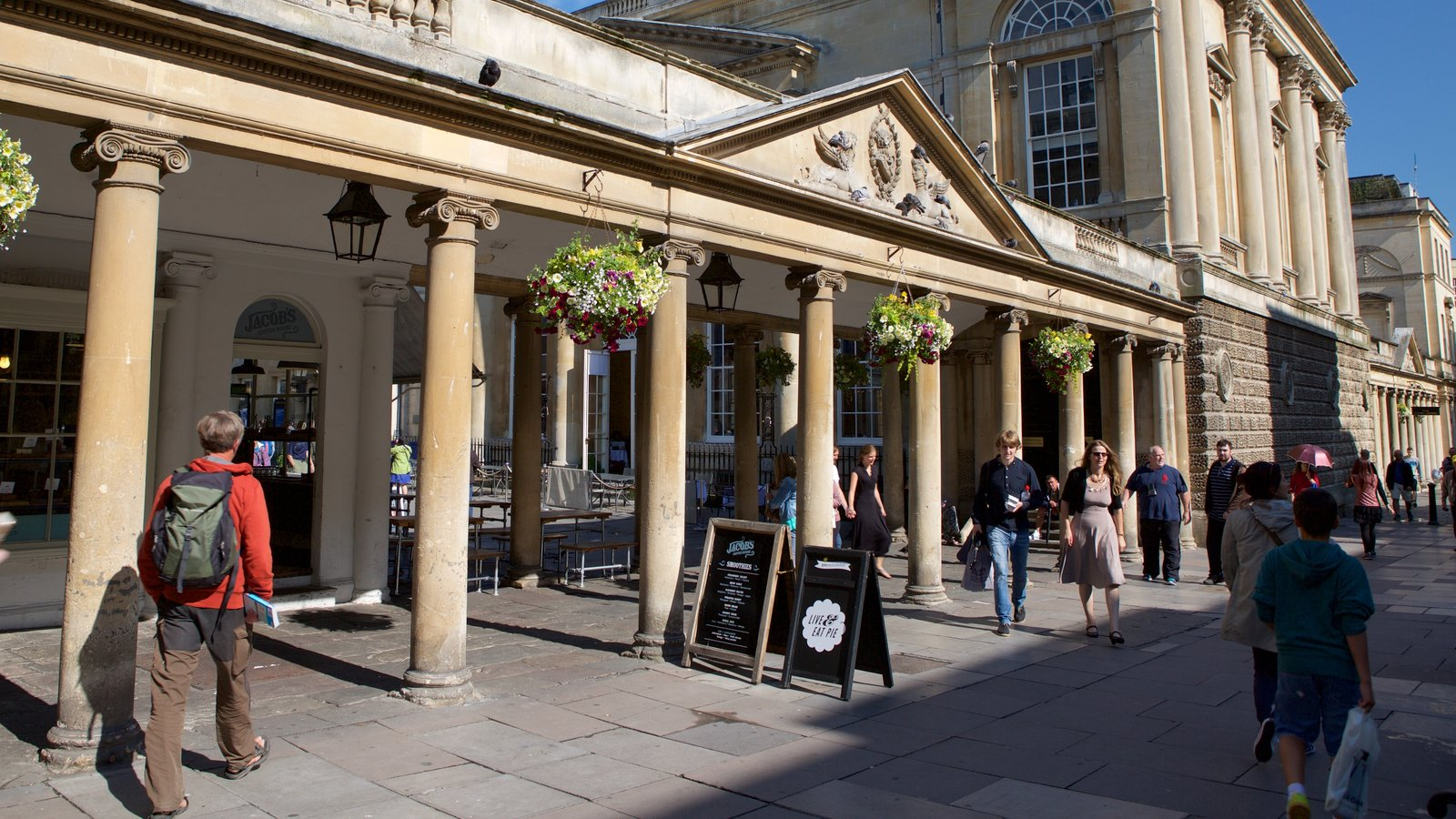 Bath featuring street scenes, cafe scenes and heritage architecture
