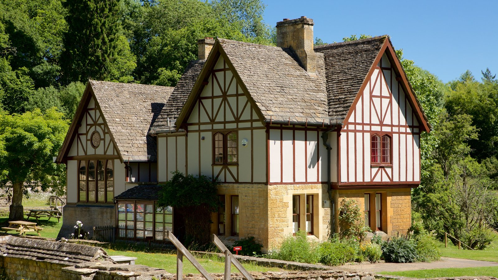 Museum Pictures: View Images of Chedworth Roman Villa