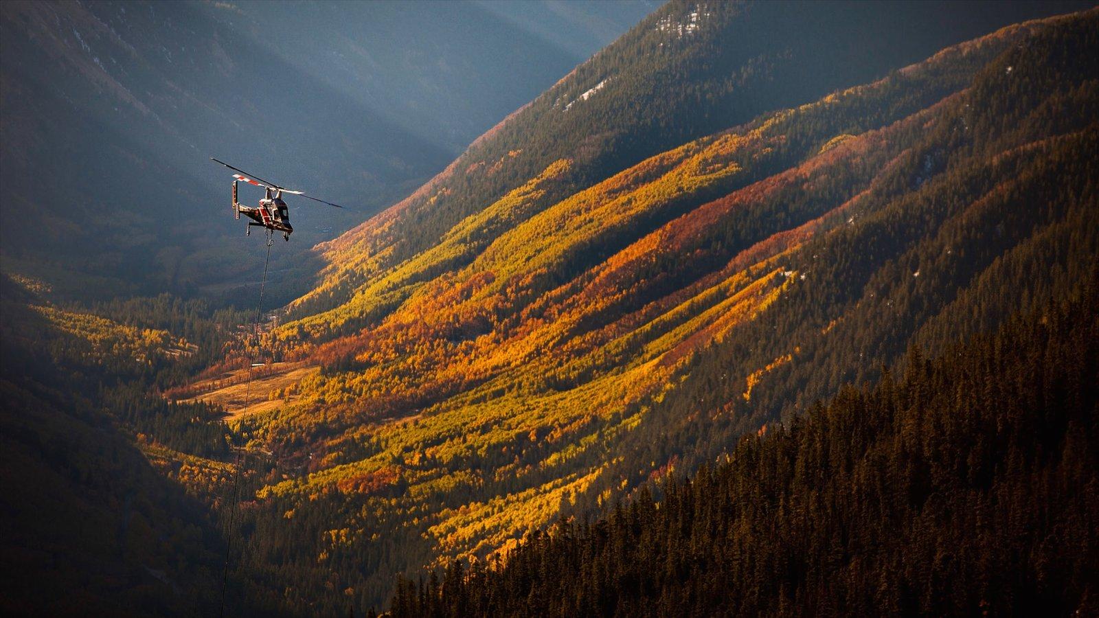 Aspen Highlands mostrando uma aeronave, cenas tranquilas e montanhas