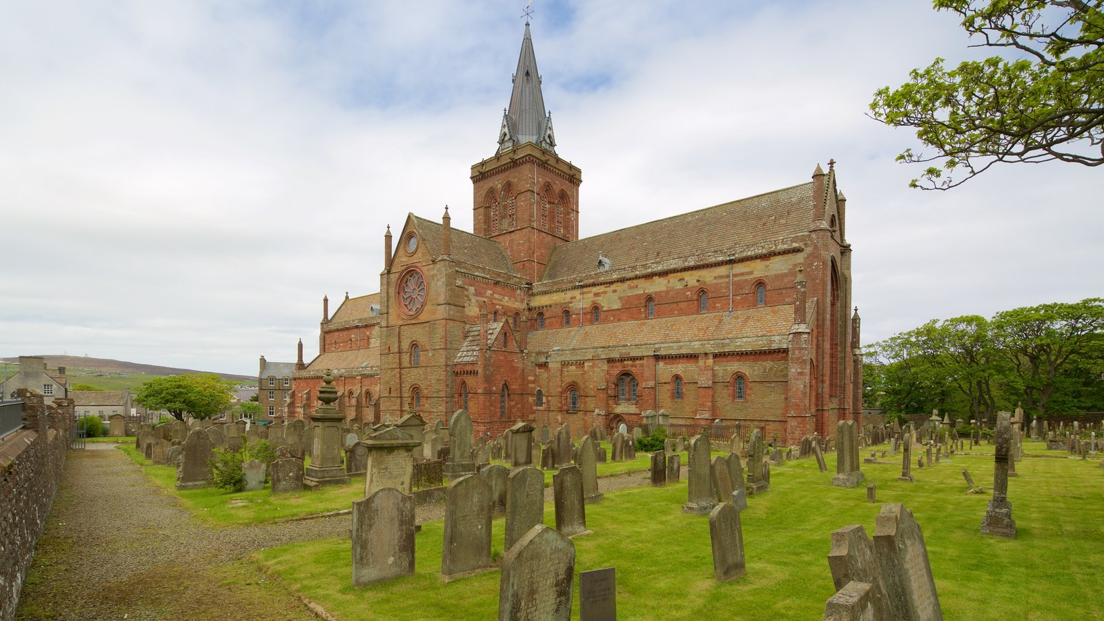 St. Magnus Cathedral showing heritage architecture, a cemetery and a church or cathedral