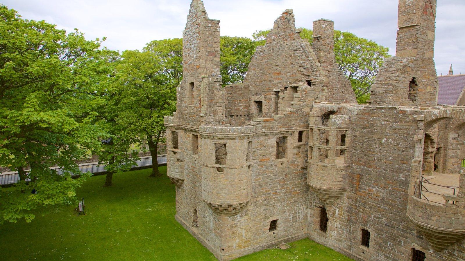 Bishop\'s Palace mostrando elementos del patrimonio, patrimonio de arquitectura y un castillo