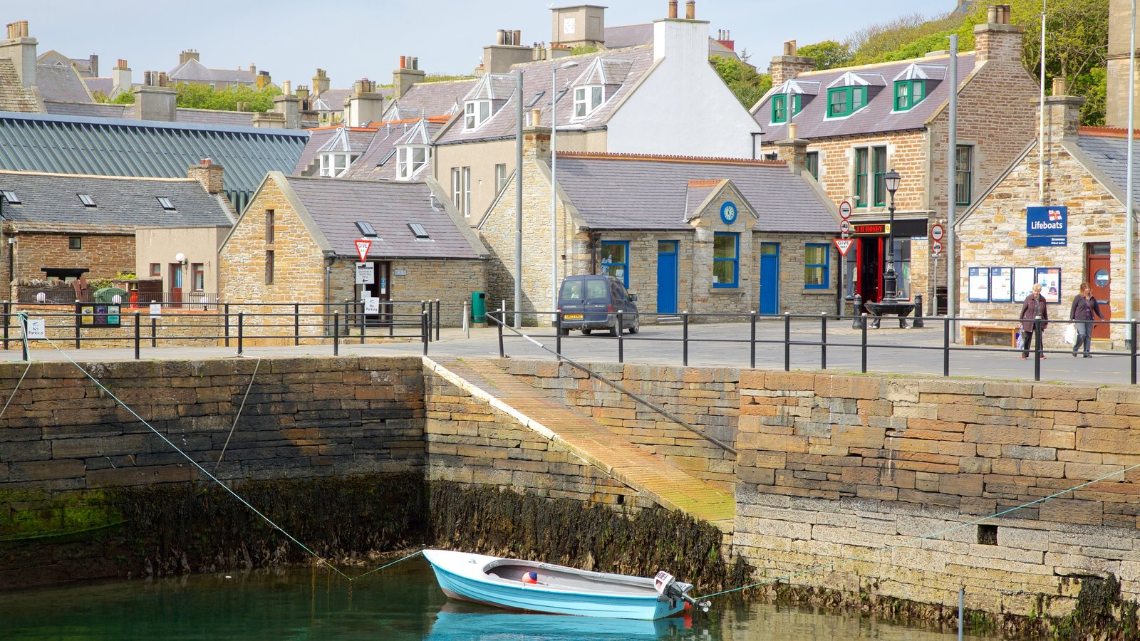 Stromness featuring a coastal town and a bay or harbor
