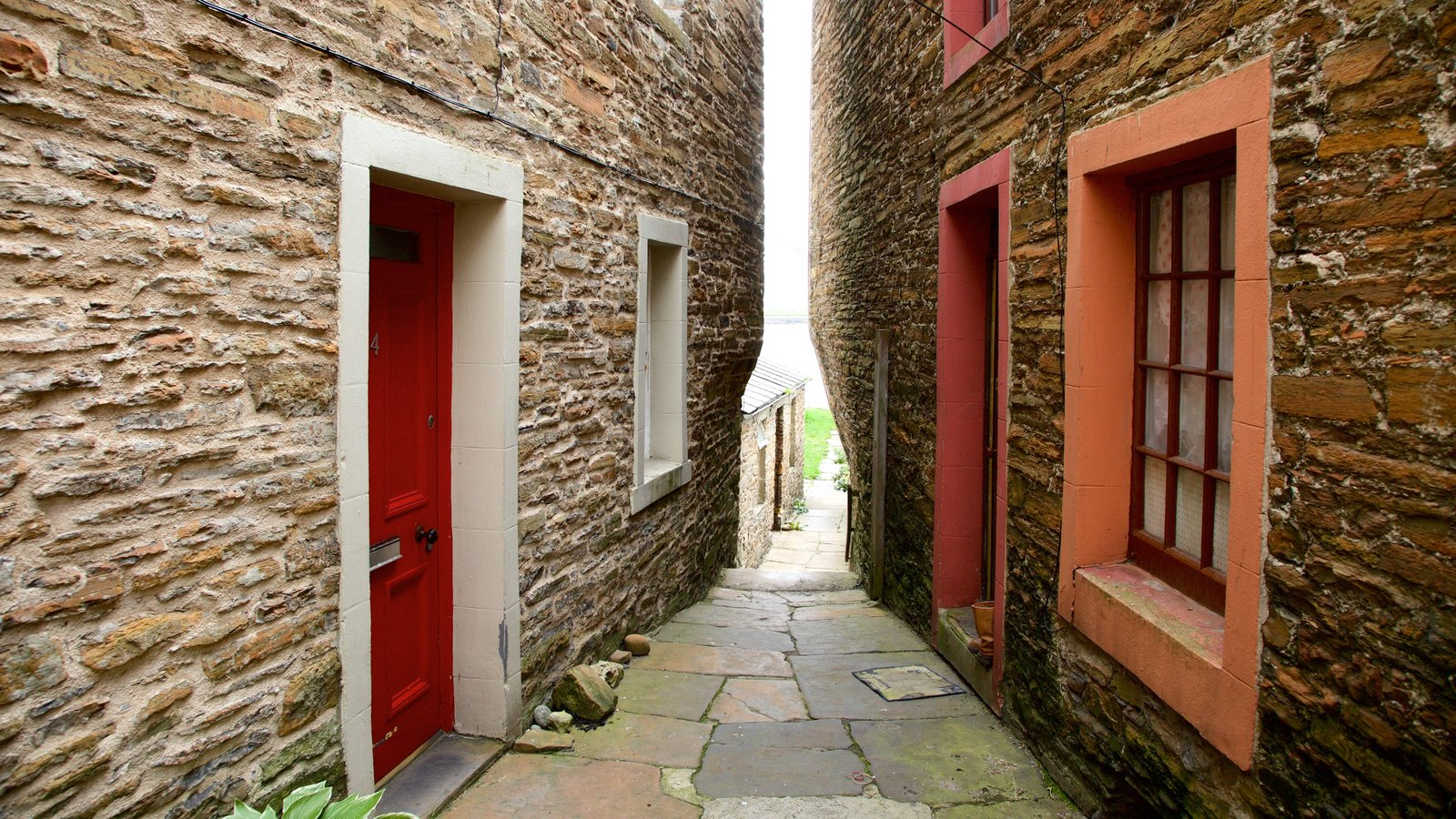 Stromness showing a house