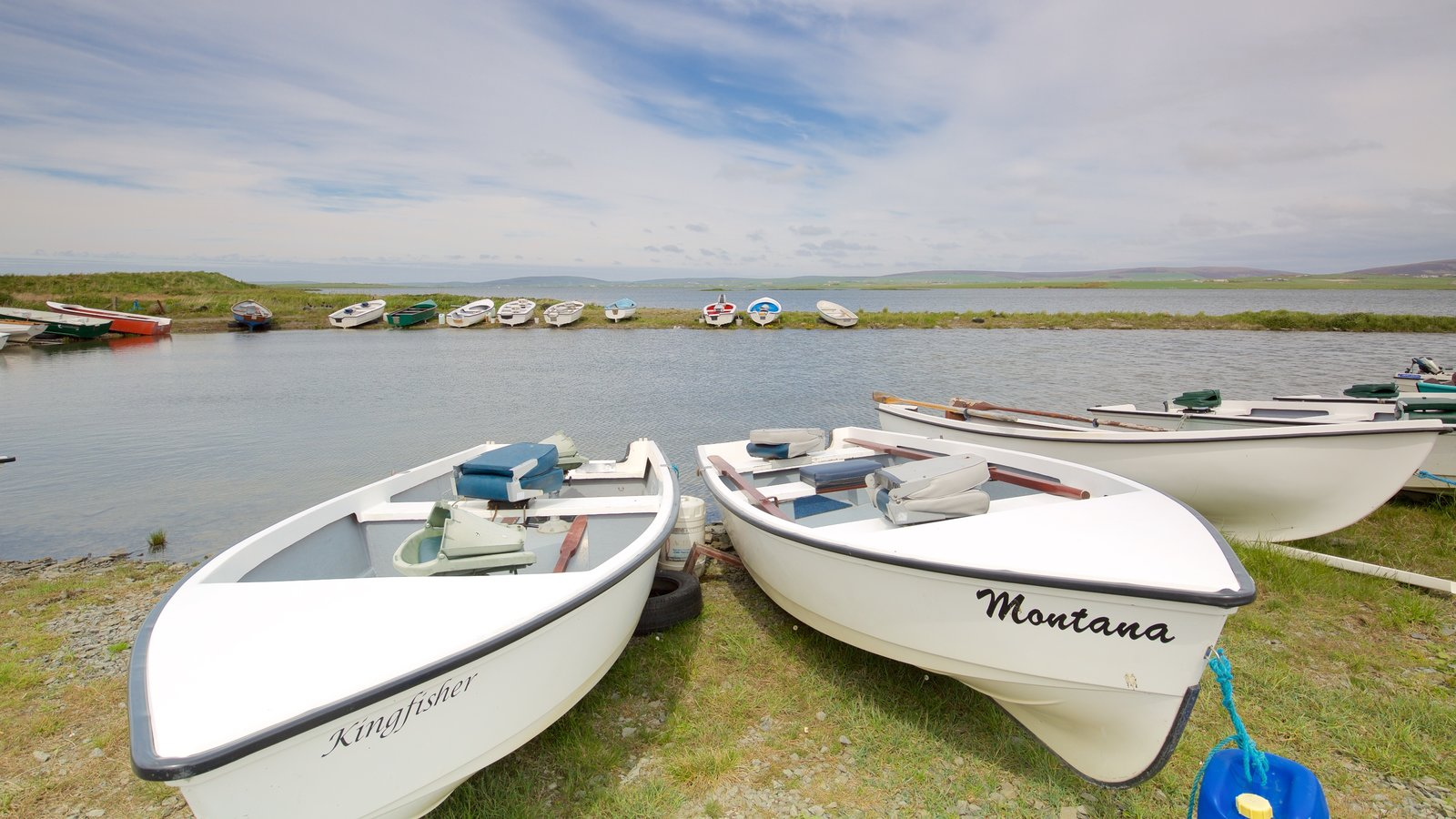 Stromness which includes boating and a lake or waterhole