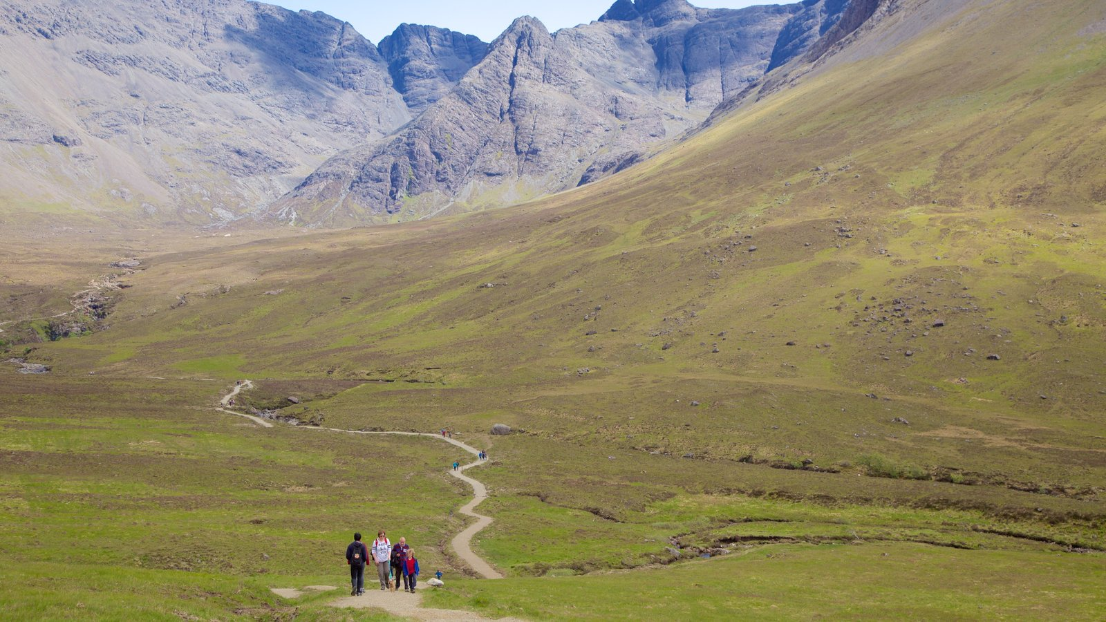 Isle of Skye which includes mountains, hiking or walking and tranquil scenes