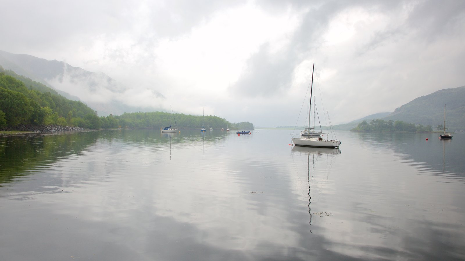 Glencoe featuring a lake or waterhole, sailing and boating