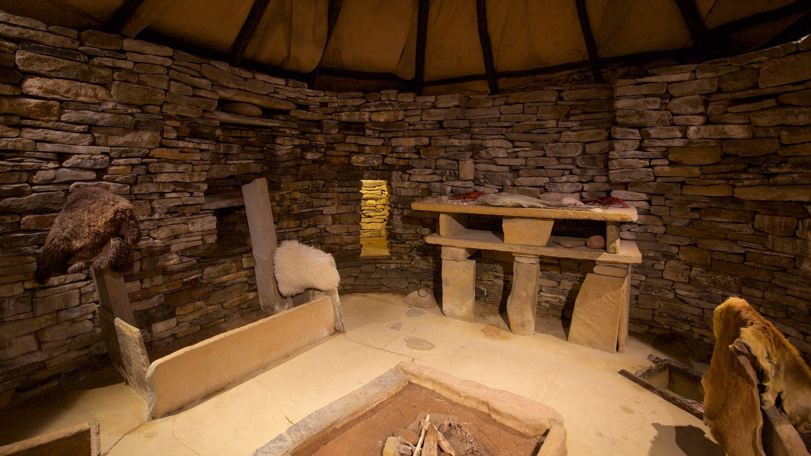 Skara Brae which includes heritage elements, a house and interior views