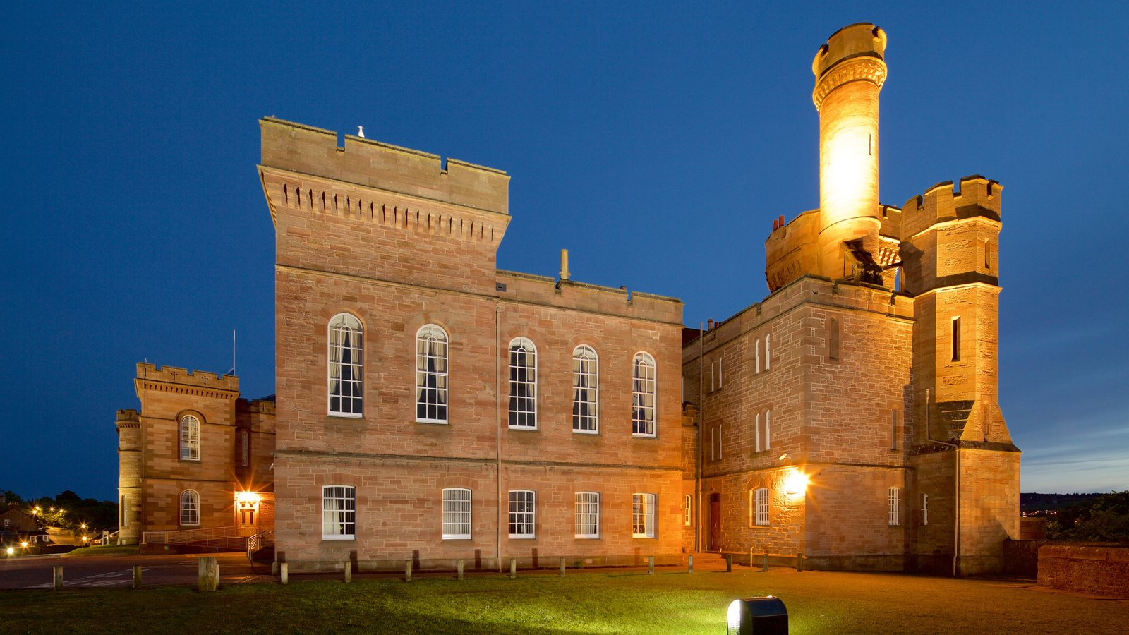 Inverness Castle showing chateau or palace, heritage architecture and heritage elements