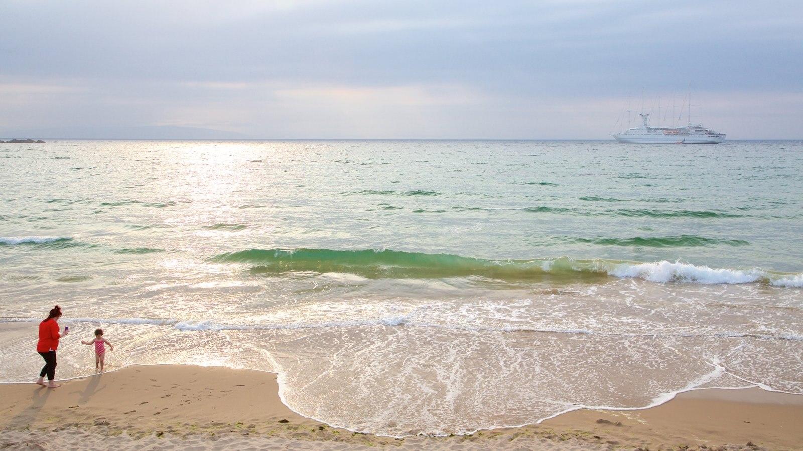 Portrush Beach which includes cruising, general coastal views and a sandy beach