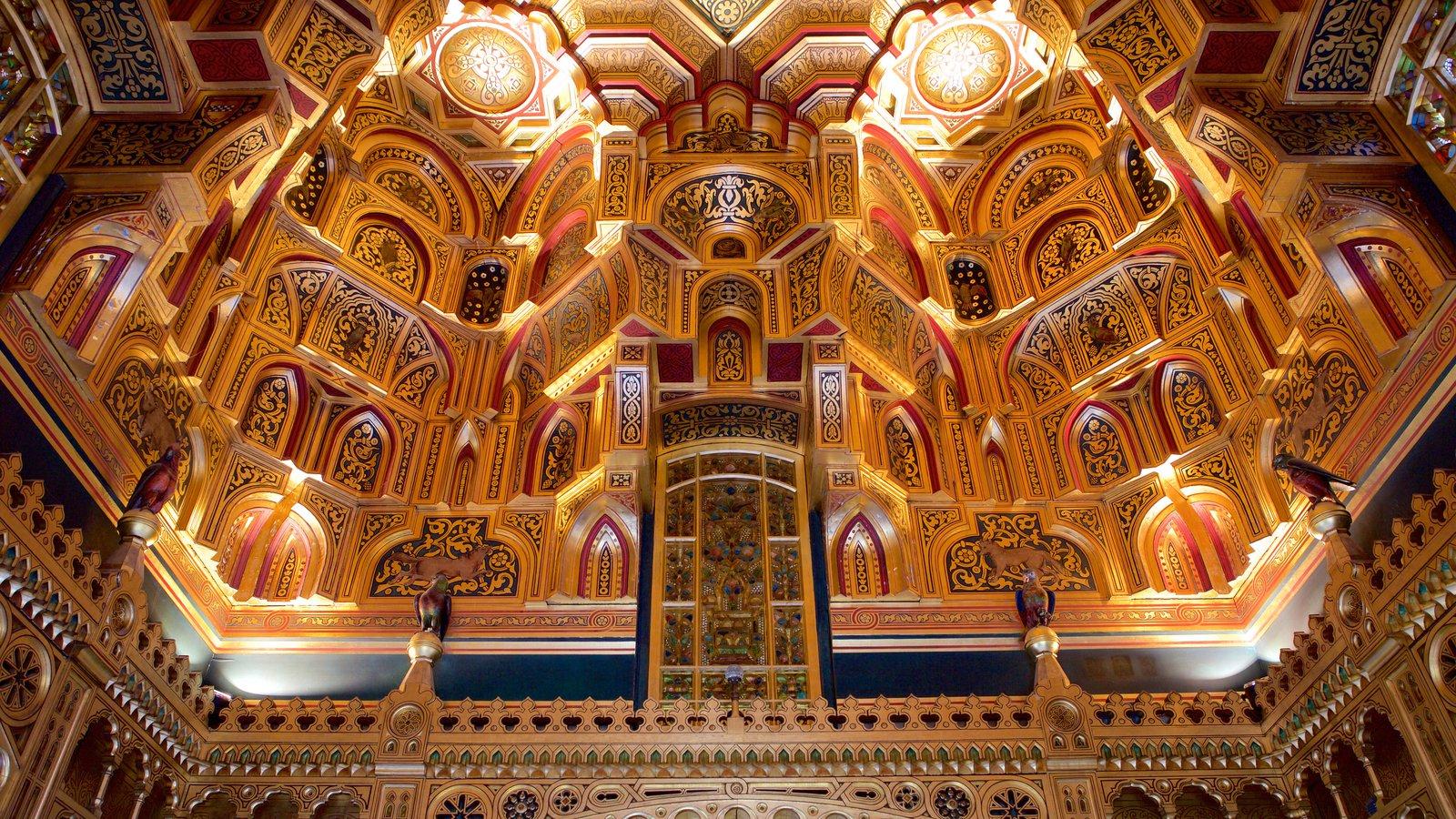 Castelo de Cardiff que inclui elementos de patrimônio, arquitetura de patrimônio e vistas internas