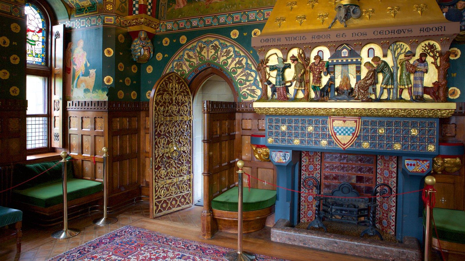 Castelo de Cardiff que inclui elementos de patrimônio, vistas internas e um castelo