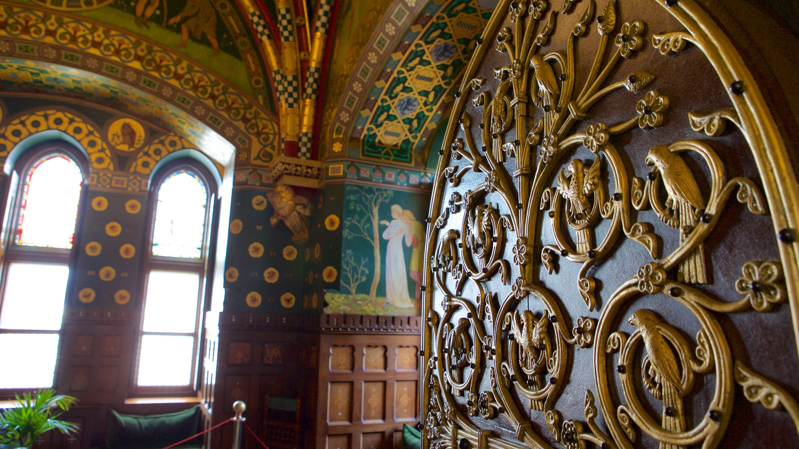 cardiff castle pictures: view photos & images of cardiff castle