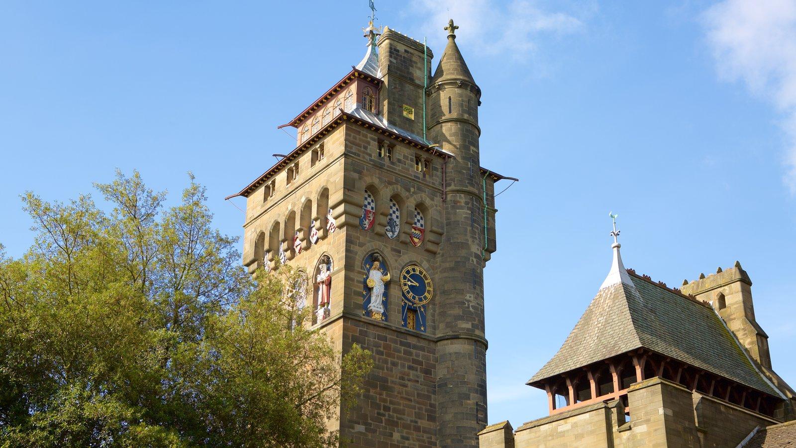 Castelo de Cardiff mostrando um pequeno castelo ou palácio, elementos de patrimônio e arquitetura de patrimônio