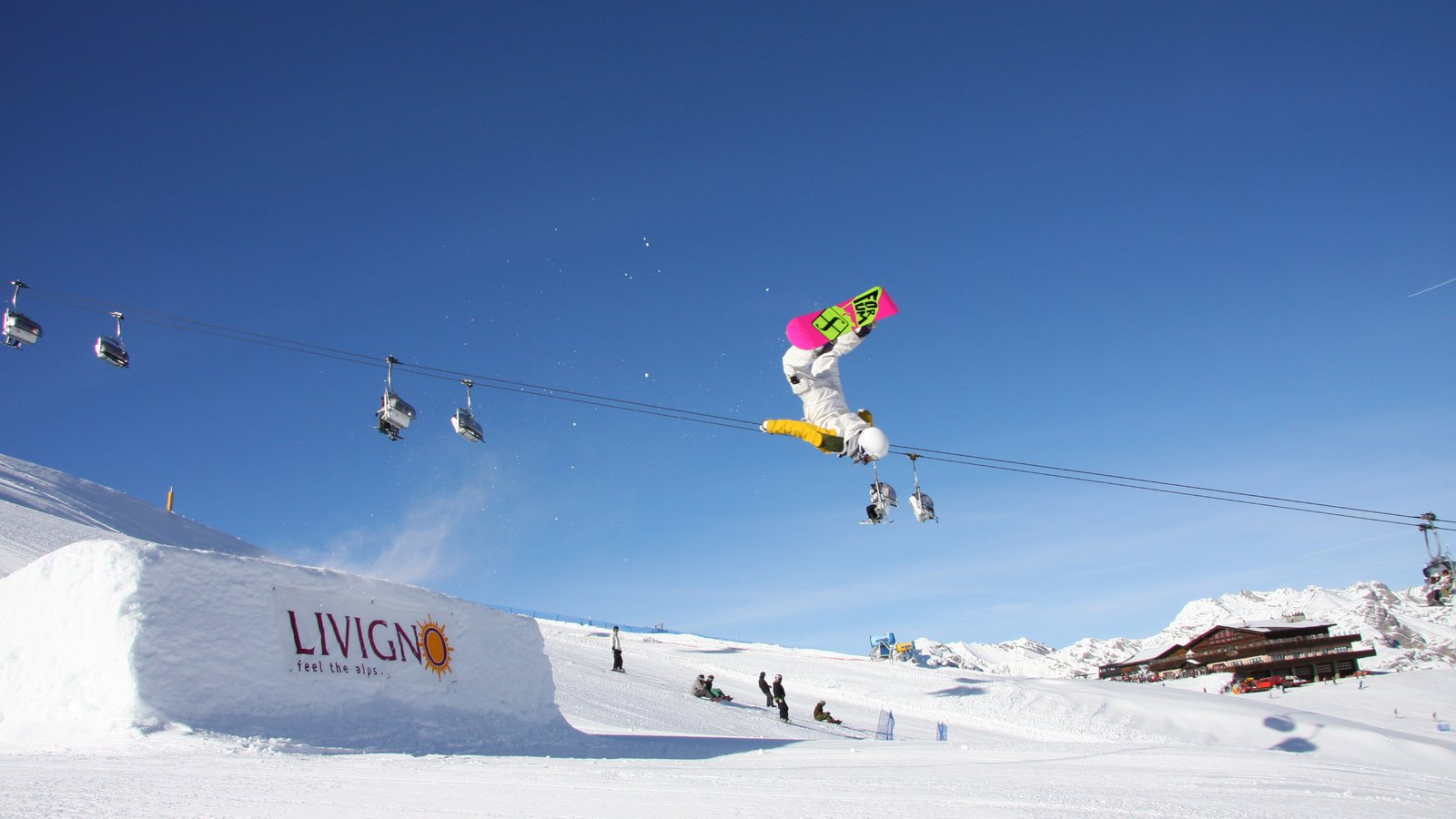 Livigno Ski Area which includes a gondola, snow and snow boarding