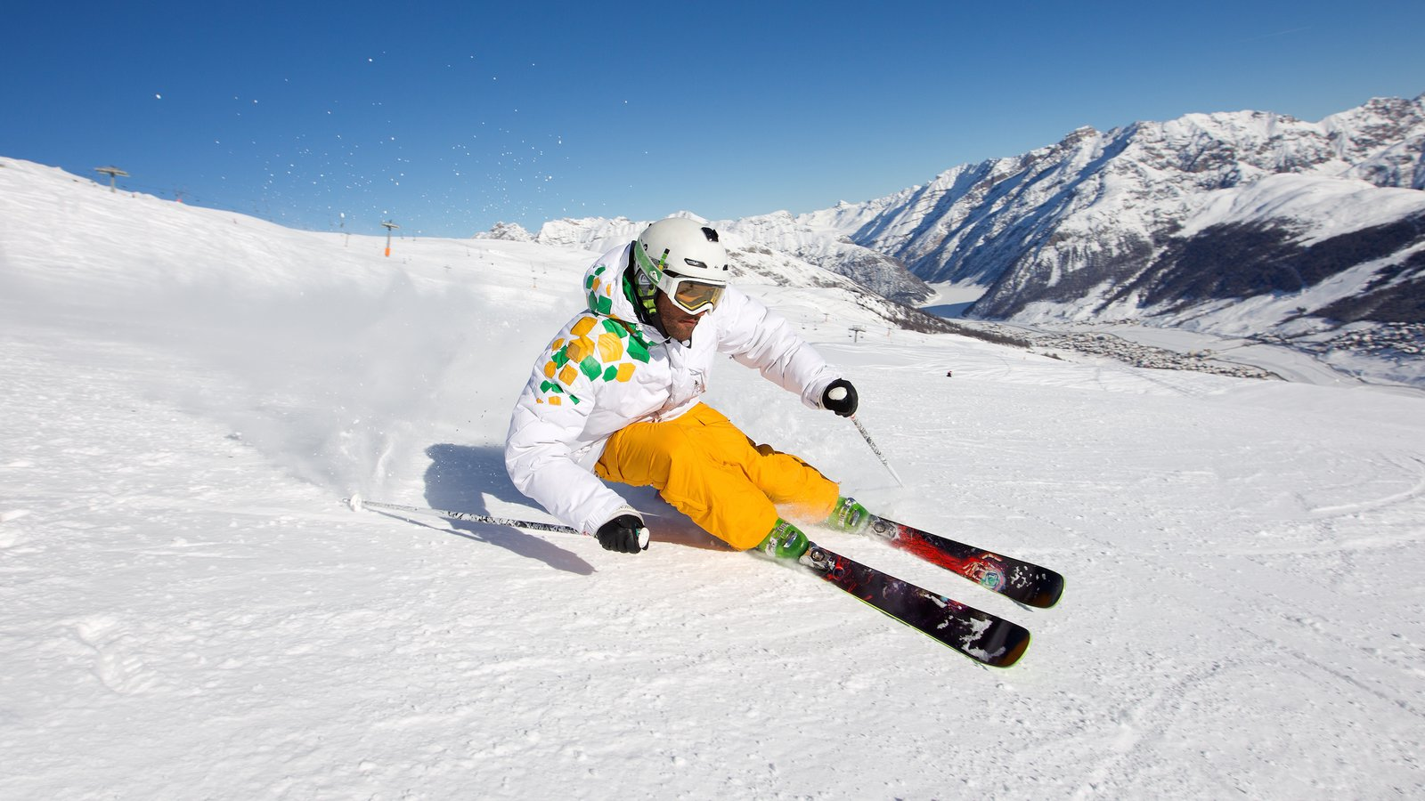 Livigno Ski Area which includes snow, snow skiing and tranquil scenes