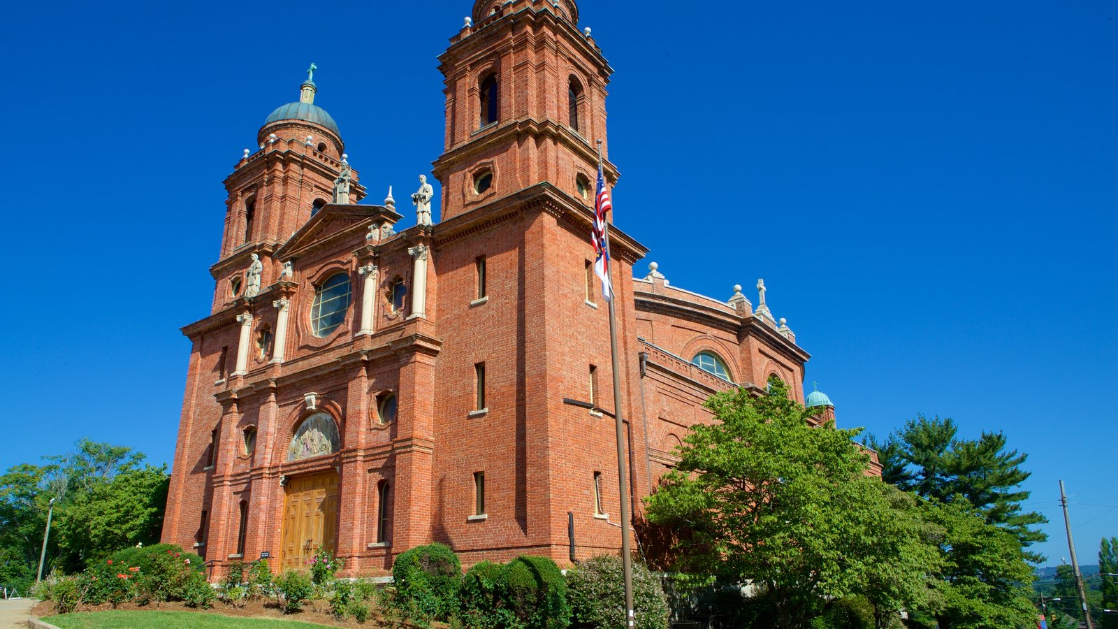Basilica of Saint Lawrence showing heritage architecture, heritage elements and a church or cathedral