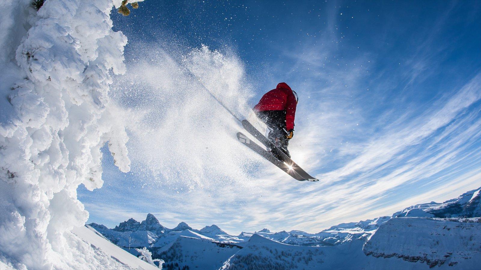 Complejo vacacional Grand Targhee mostrando vistas de paisajes, esquiar en la nieve y montañas