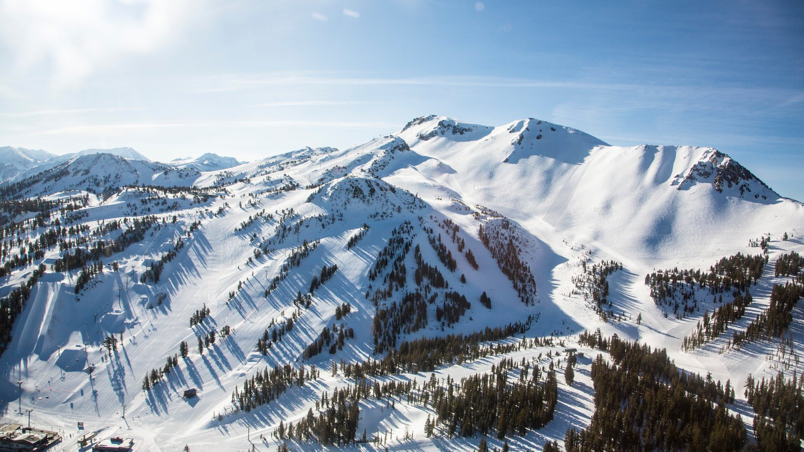 how tall is mammoth mountain