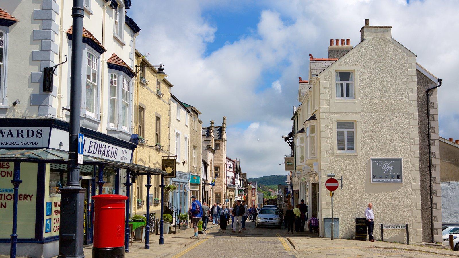 Conwy mostrando escenas urbanas