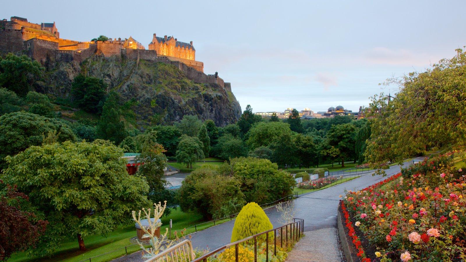 Edinburgh Castle which includes a park