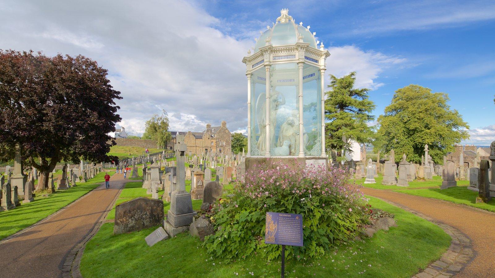 Stirling caracterizando um cemitério