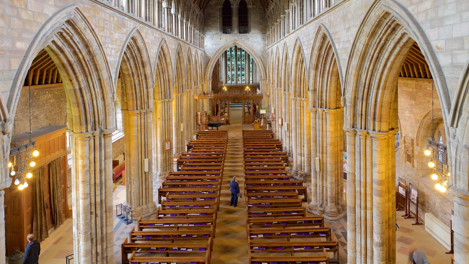 Dunblane Cathedral featuring religious aspects, interior views and a church or cathedral