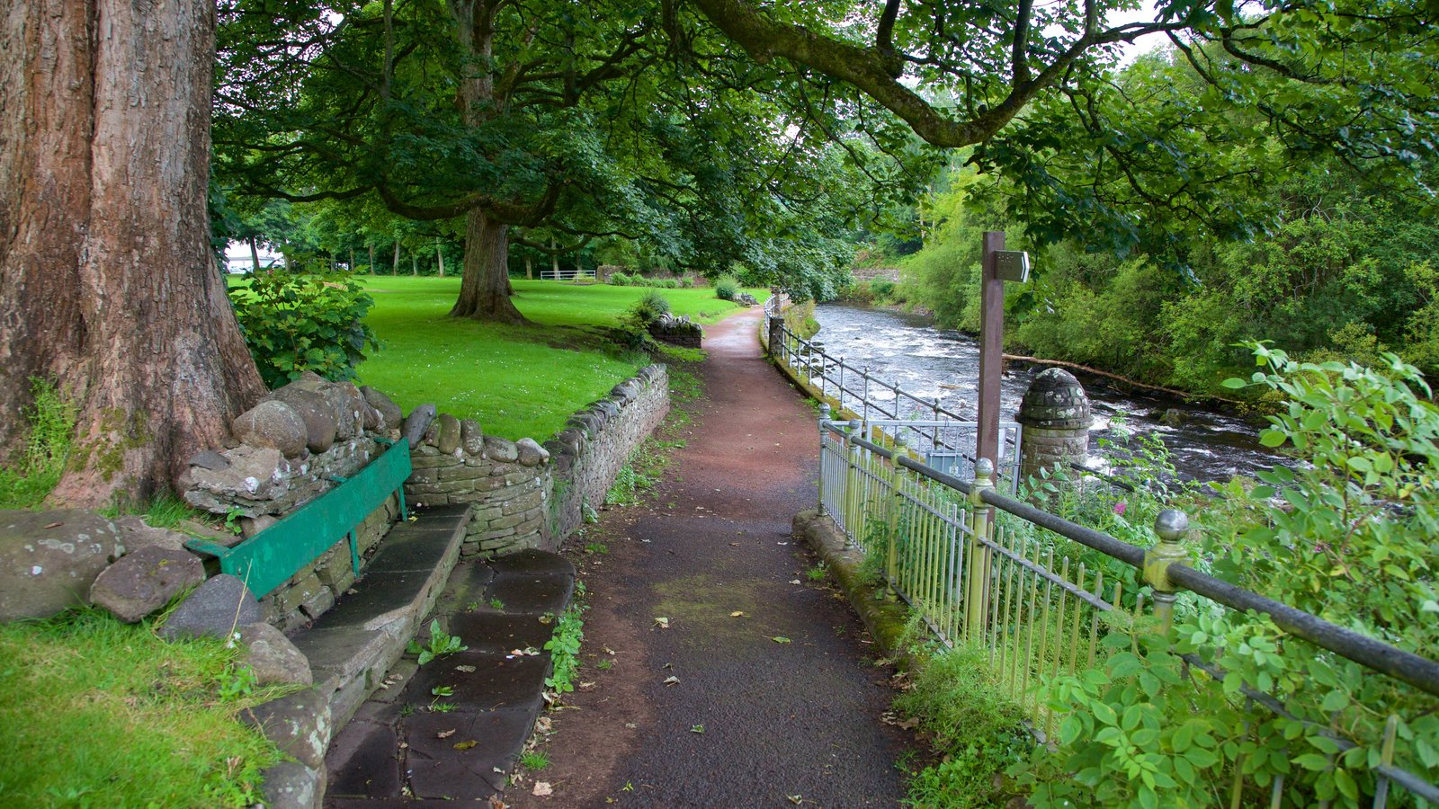 Dunblane which includes a river or creek and a garden