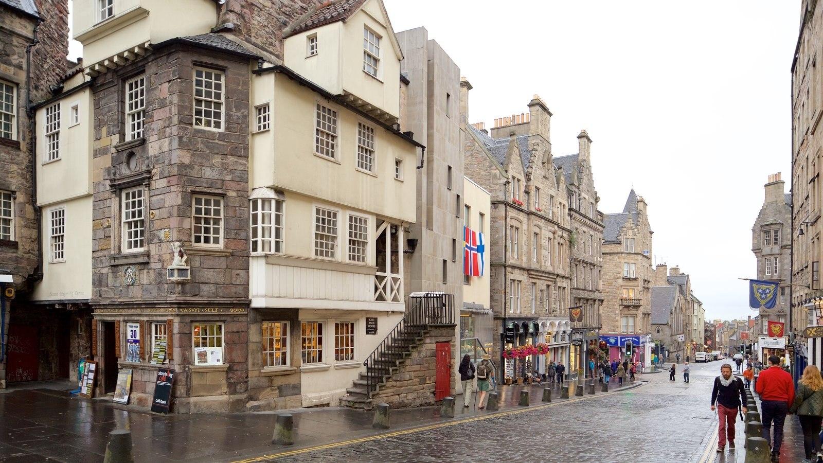 Old Town mostrando escenas urbanas y una ciudad