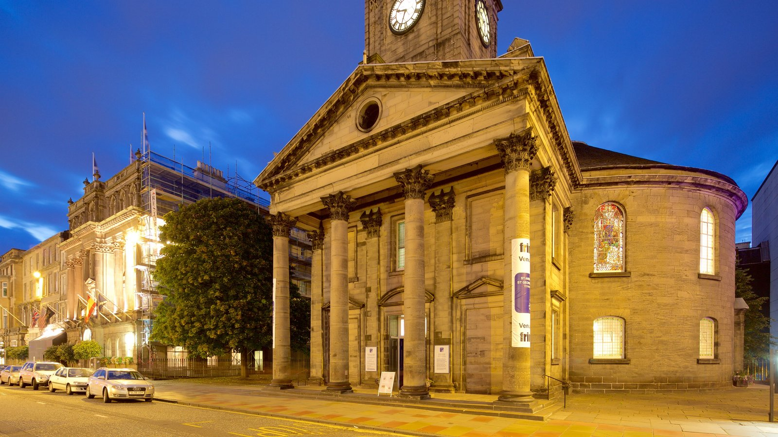 Edinburgh showing heritage architecture and night scenes
