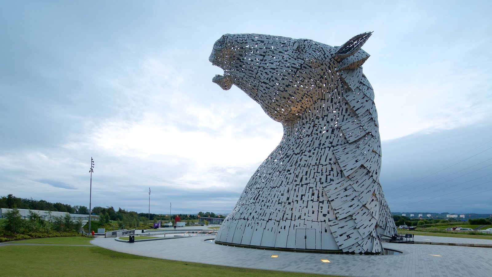 Grangemouth which includes outdoor art