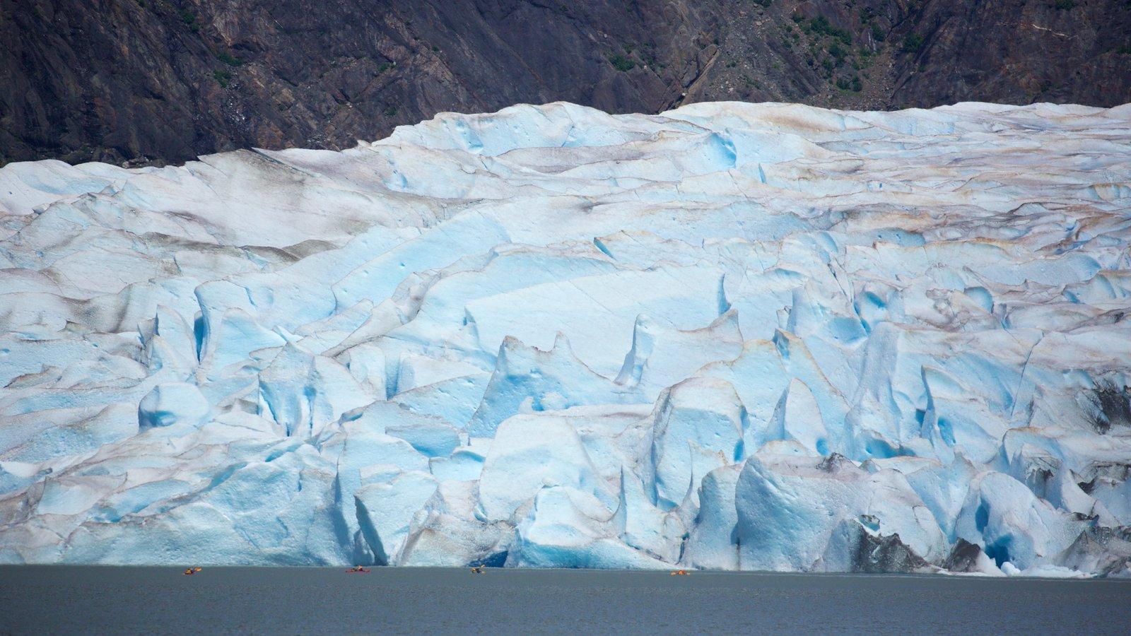 Glaciar Mendenhall que incluye nieve