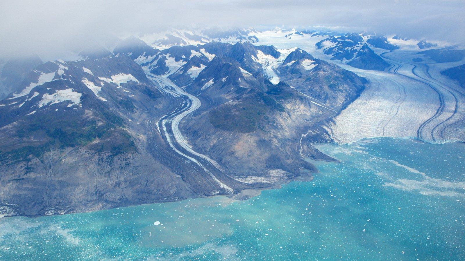 Parque estatal Chugach mostrando vistas generales de la costa y nieve