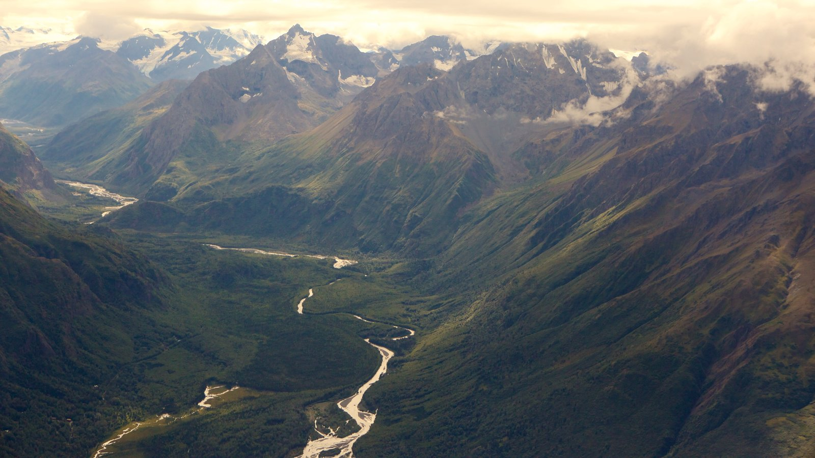 Chugach State Park featuring mountains