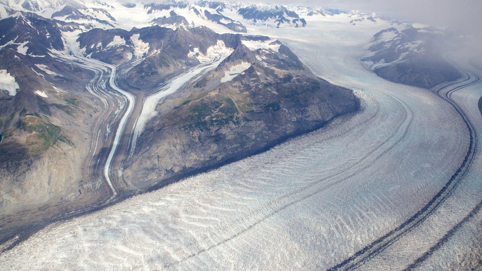 Parque estatal Chugach mostrando nieve y montañas