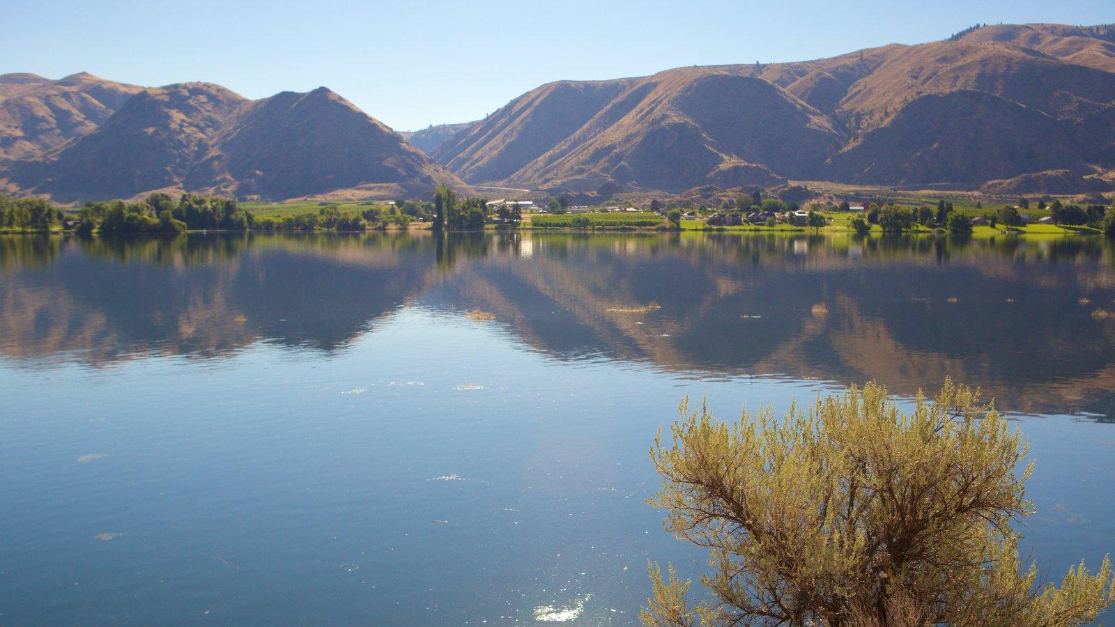 Wenatchee - Lake Chelan caracterizando montanhas e um lago ou charco