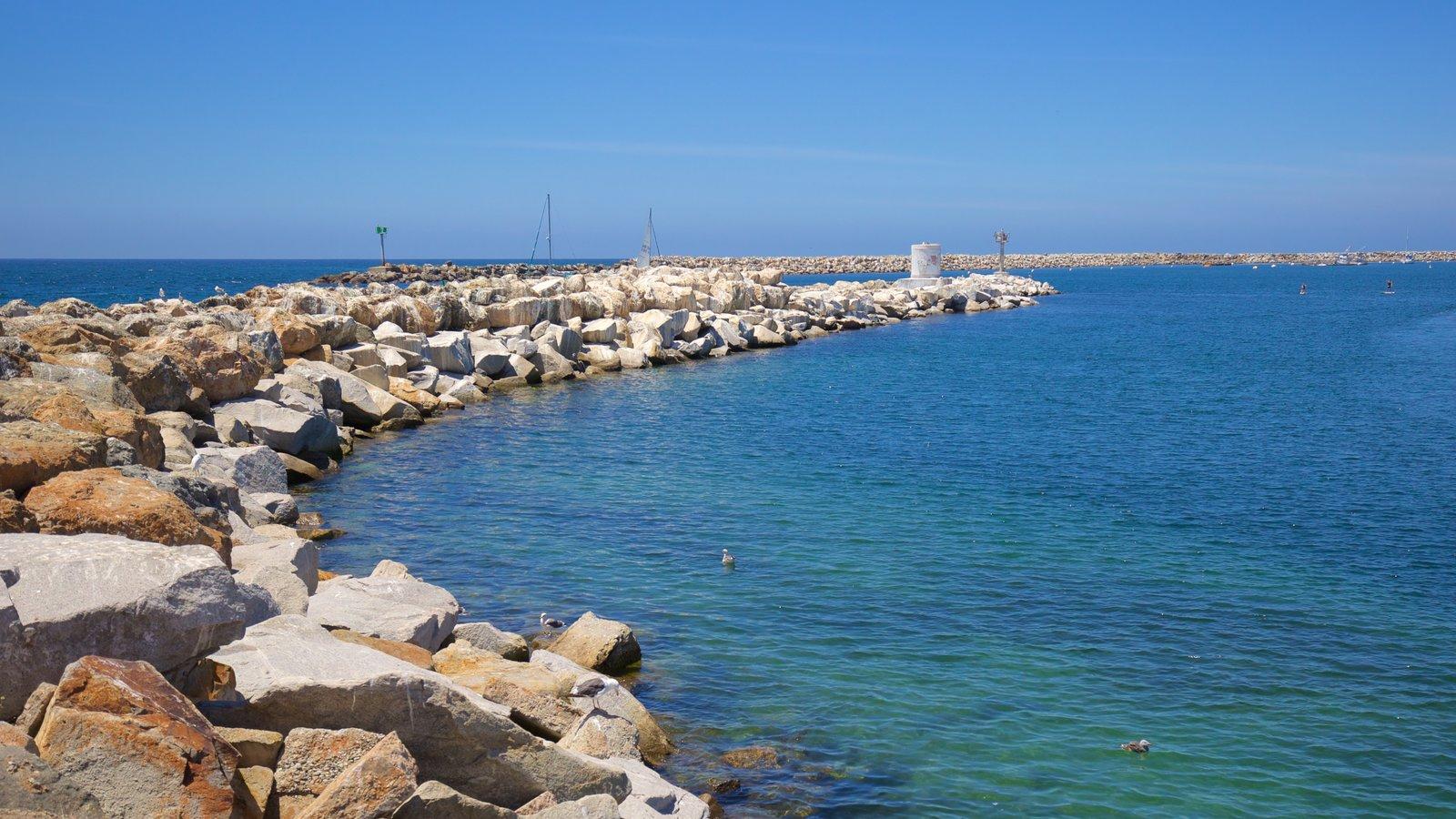 Redondo Beach que inclui paisagens litorâneas
