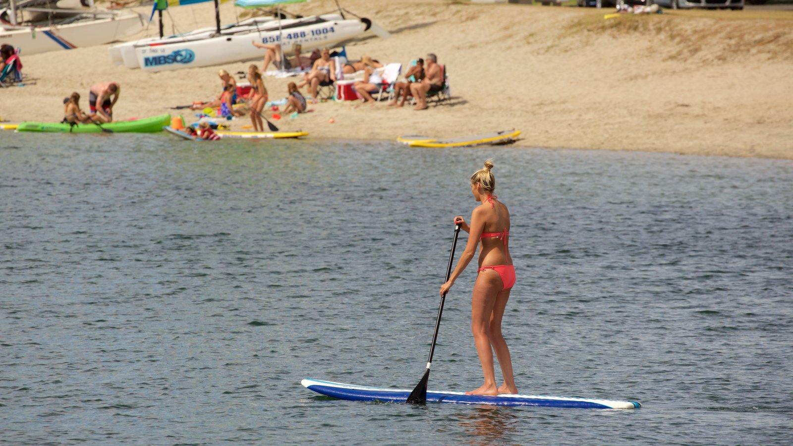 Mission Bay caracterizando esportes aquáticos