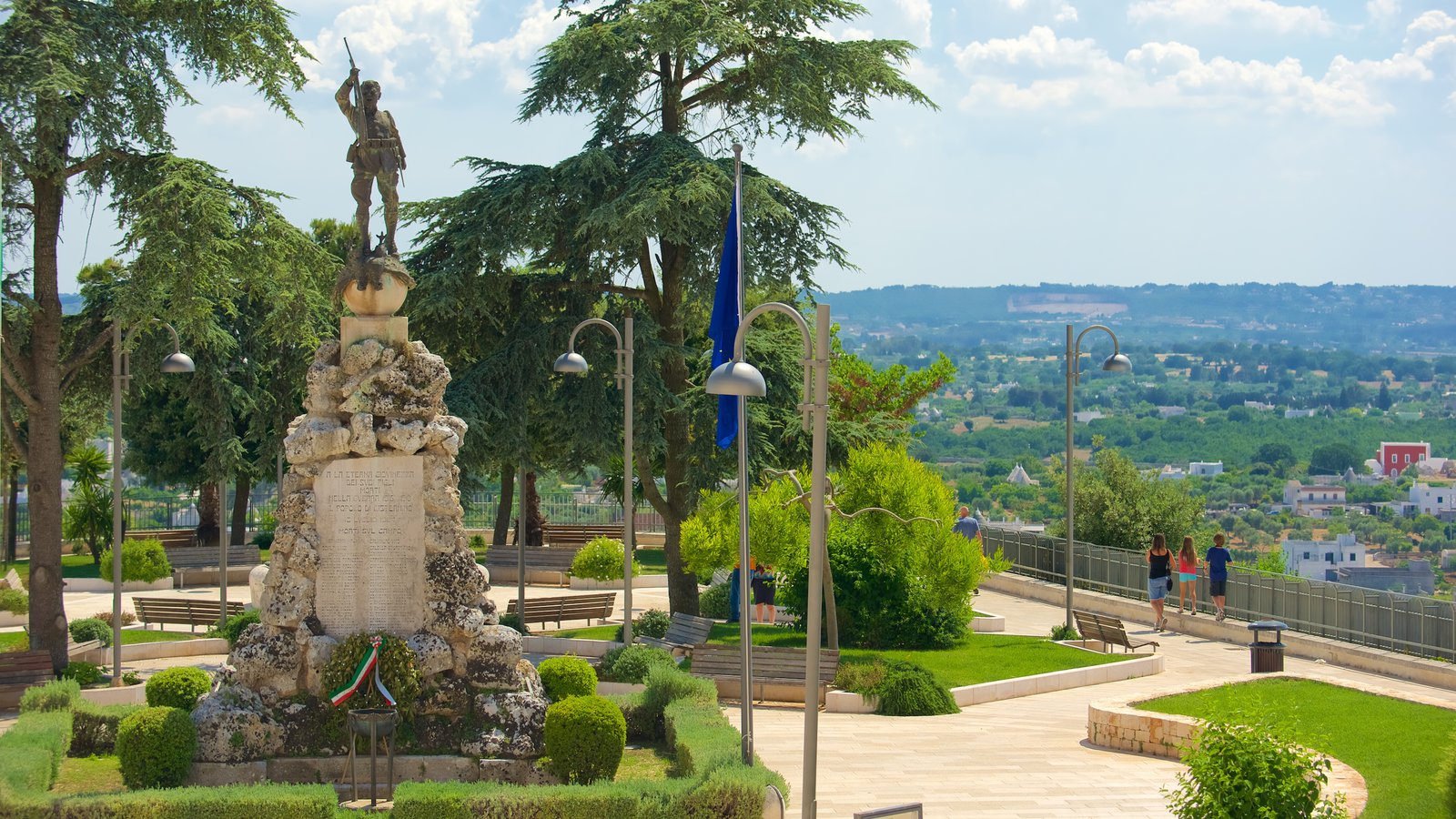 Brindisi which includes a garden