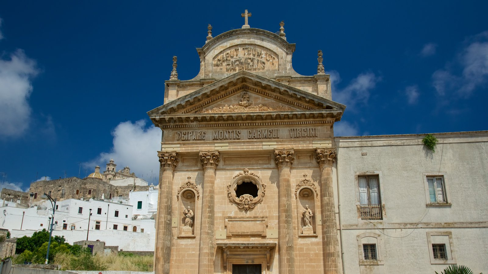 Brindisi showing religious aspects, heritage architecture and a church or cathedral