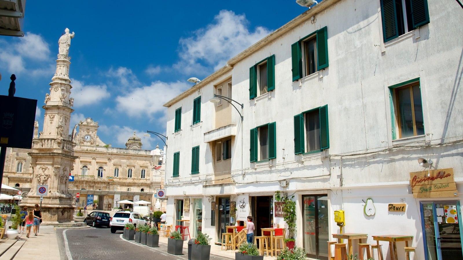 Brindisi showing street scenes
