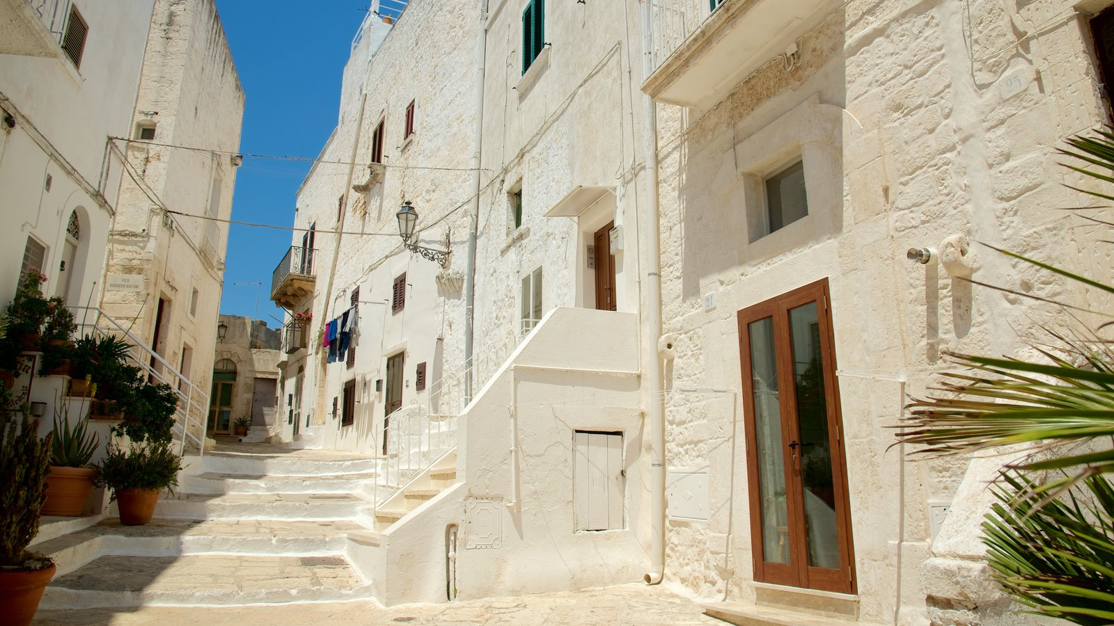 Brindisi which includes heritage architecture