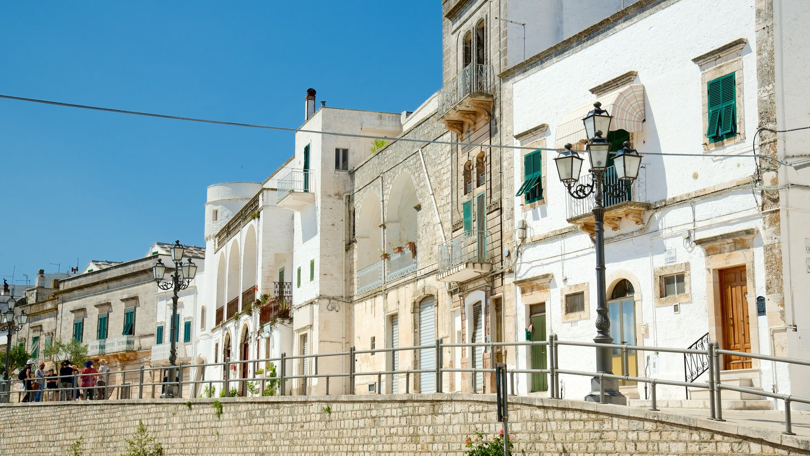 Brindisi showing a city and heritage architecture