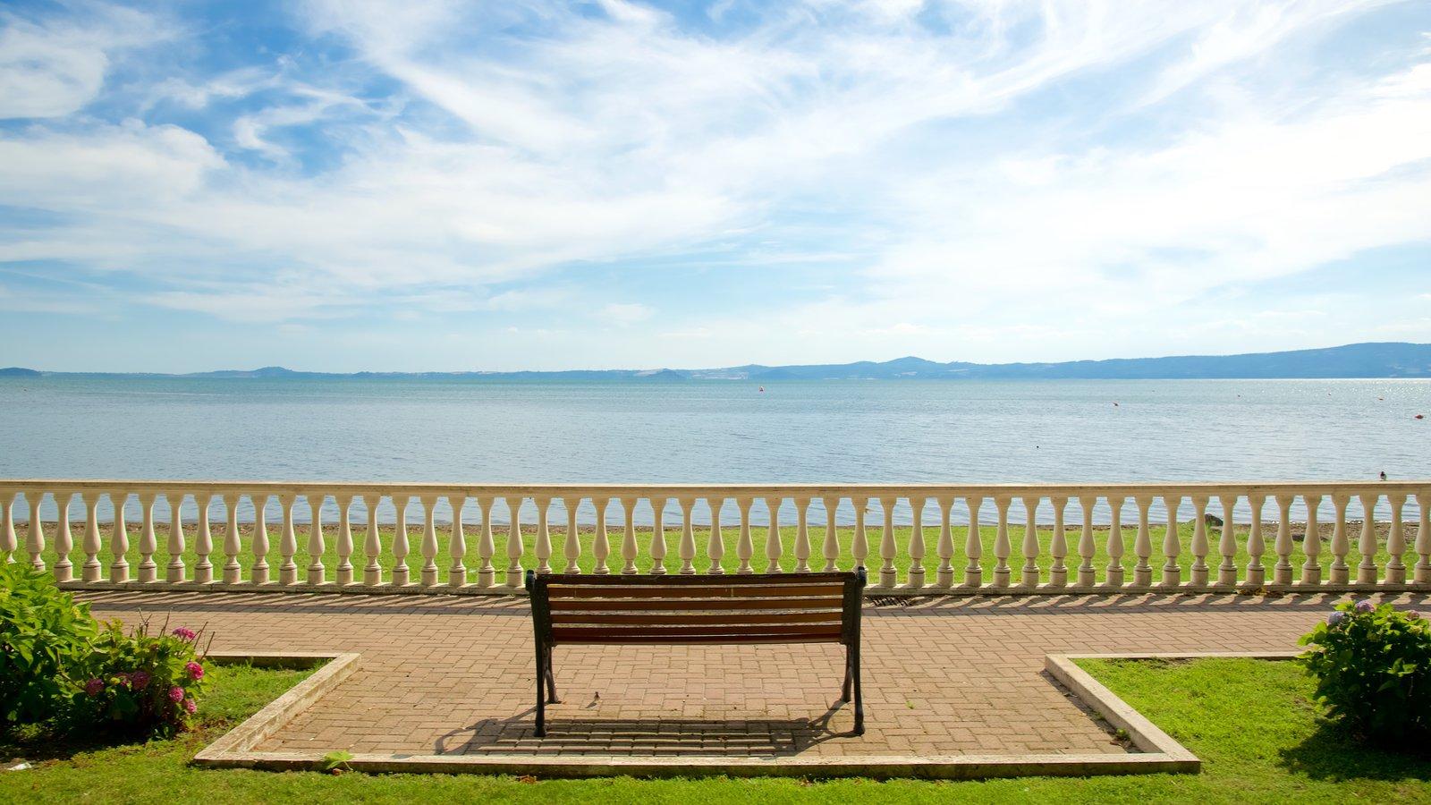 Lake Bolsena showing general coastal views