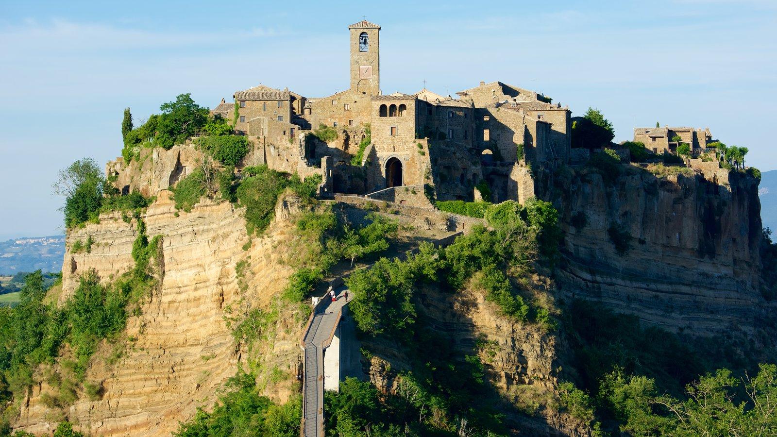Bagnoregio que inclui um castelo e arquitetura de patrimônio